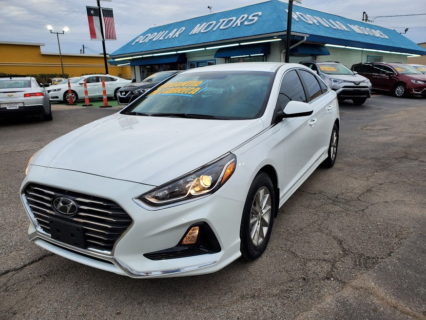 2019 White Hyundai Sonata SE (5NPE24AFXKH) with an 2.4L L4 DOHC 16V engine, 7A transmission, located at 1842 Wirt Road, Houston, TX, 77055, (713) 973-3903, 29.805330, -95.484787 - Photo #0